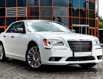 21-Chrysler-300-new-10