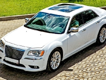 21-Chrysler-300-new-11