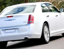 21-Chrysler-300-new-3